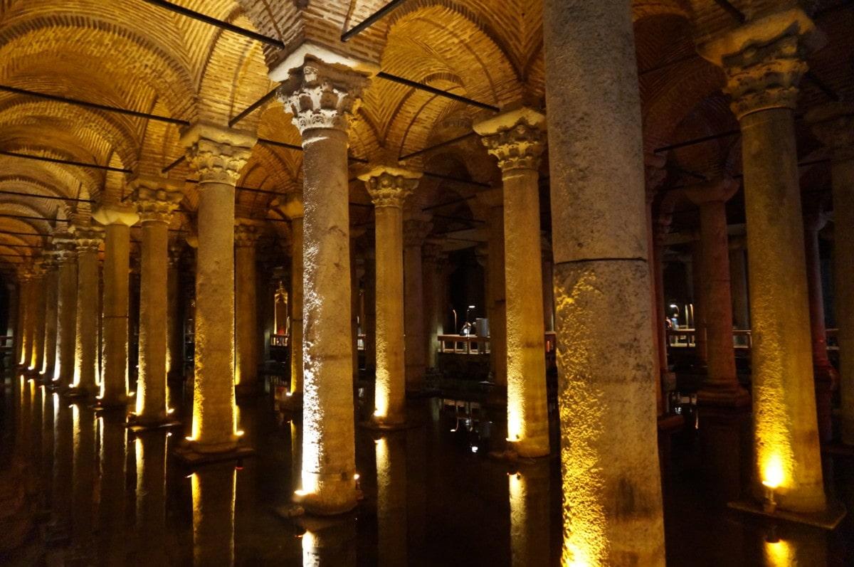 The Basilica Cistern has 336 marble columns