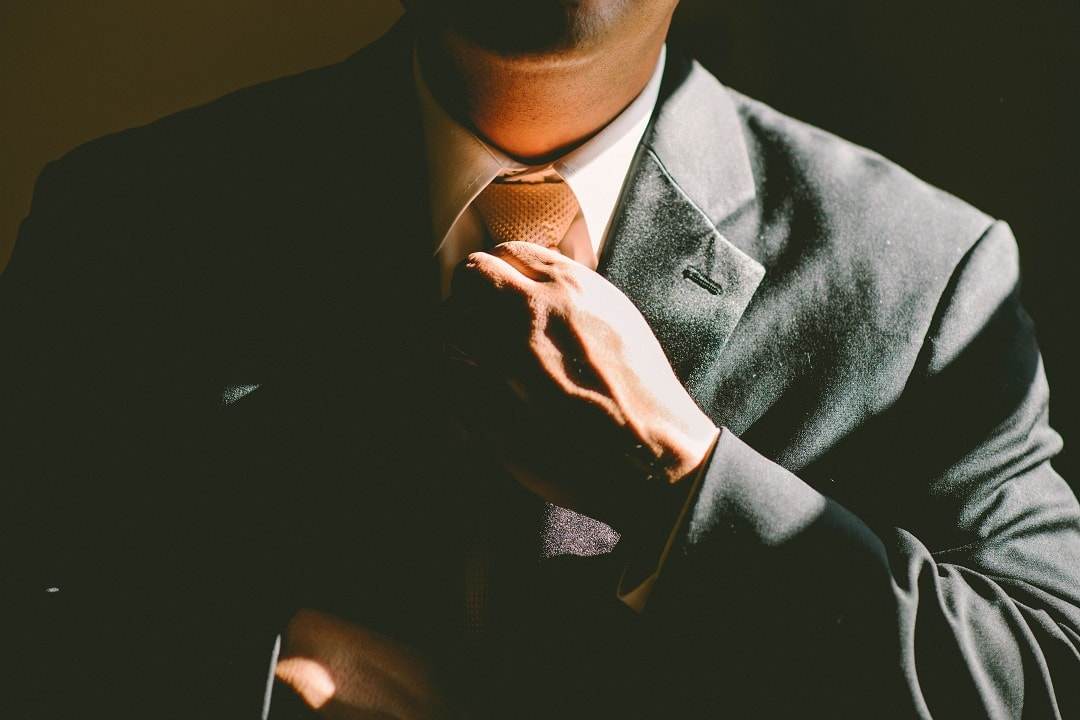Financial advisors don't require propertraining