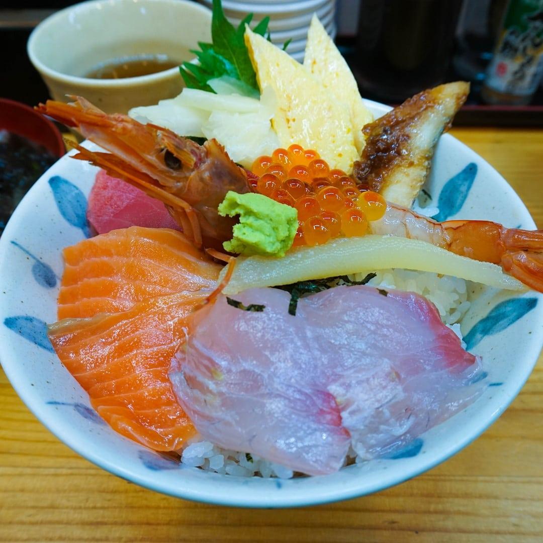 food in japan sushi