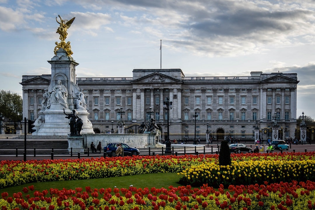 Traveling to London for the First Time Buckingham palace
