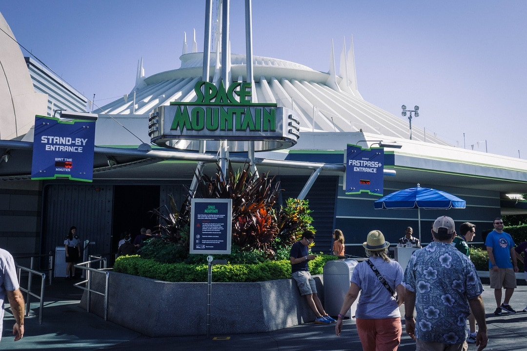 the best rides in walt disney world space mountain