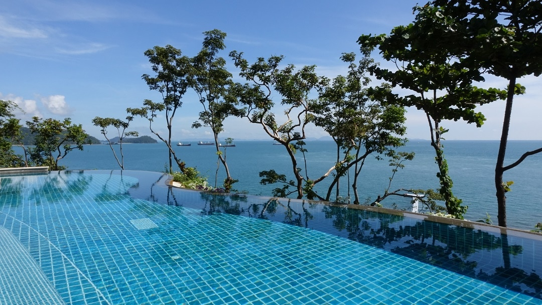 how much does it cost to go to thailand accommodations