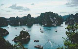 how much does it cost to go to vietnam bay