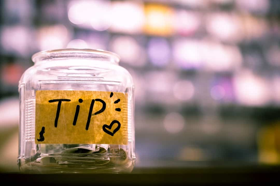 How Much to Tip When Travelling