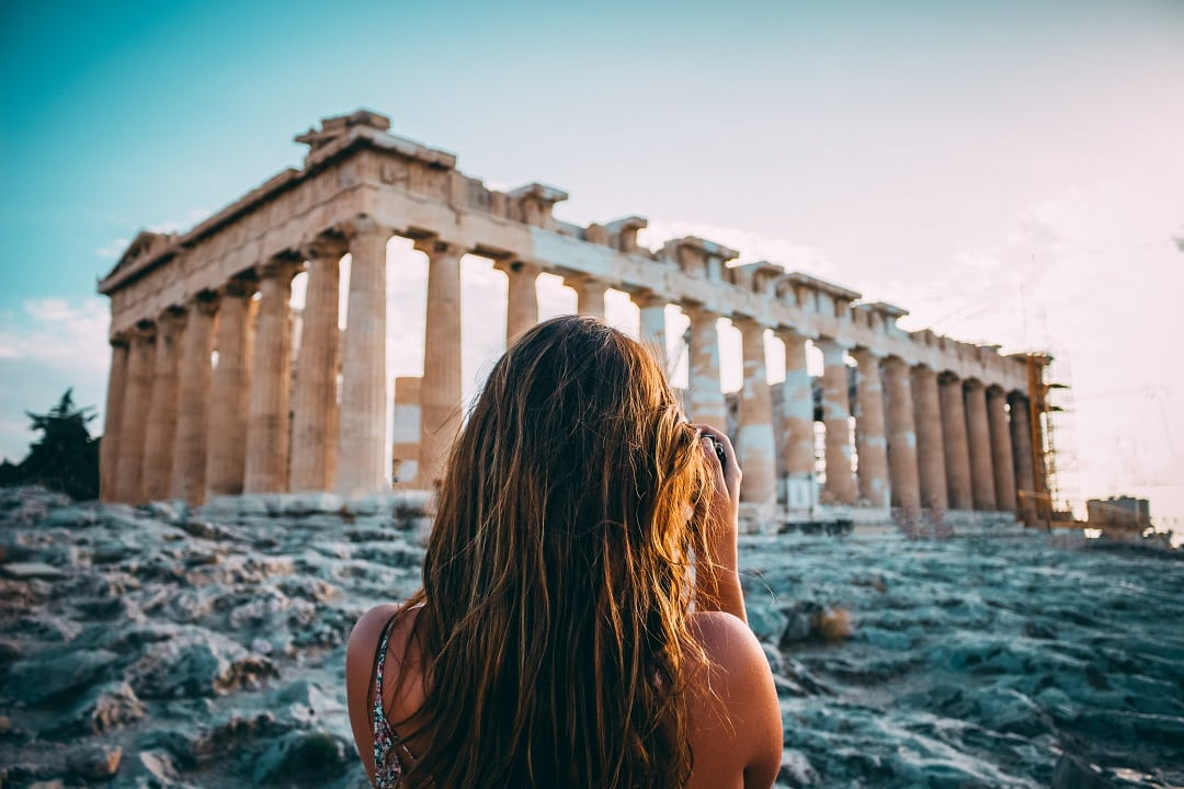how much does it cost to go to greece