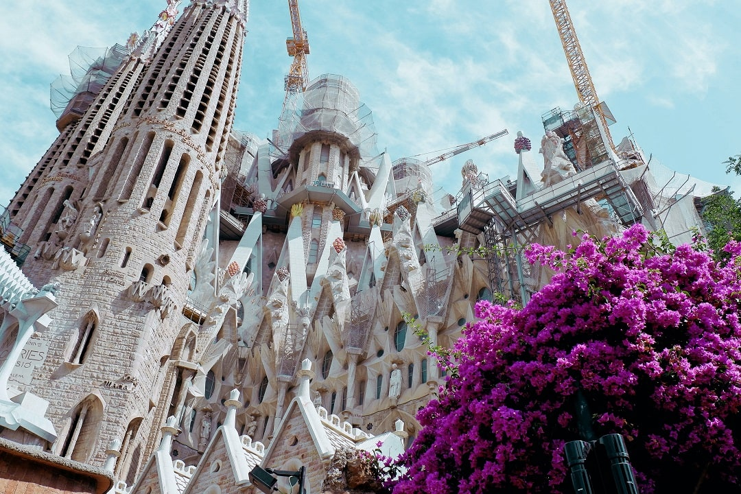 How much does it cost to go to Barcelona Sagrada Familia