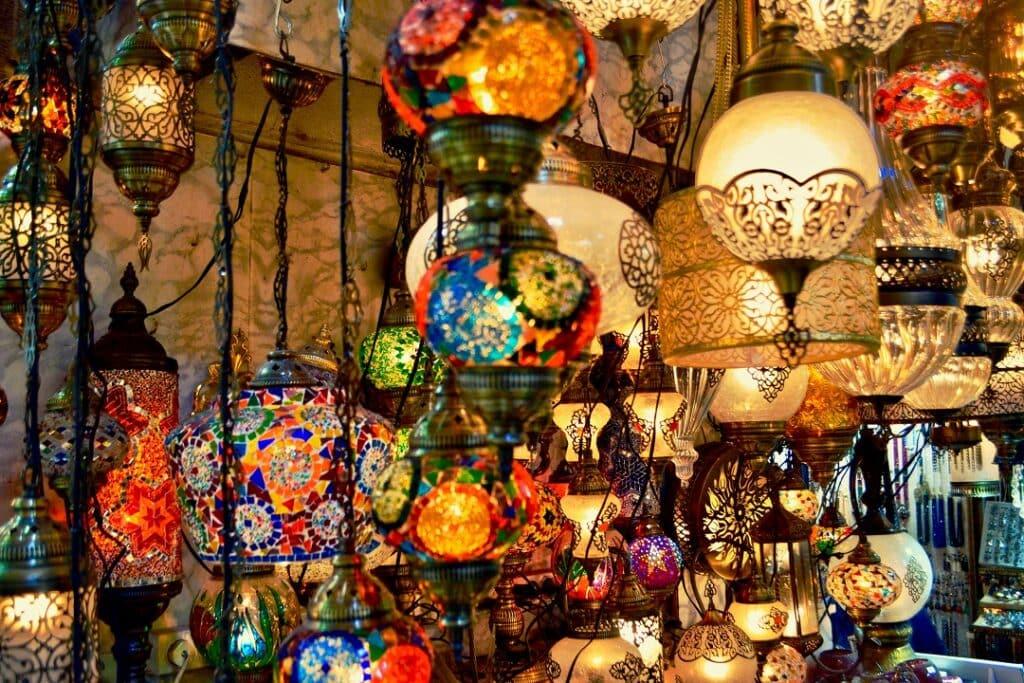 Istanbul trip cost bazaar