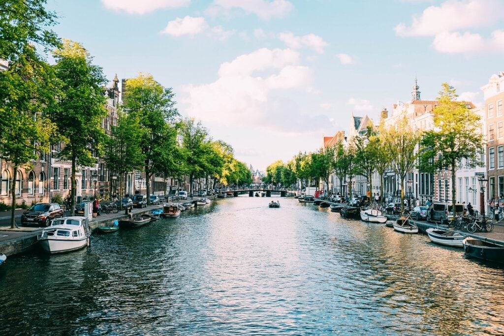 Amsterdam on a budget accommodations