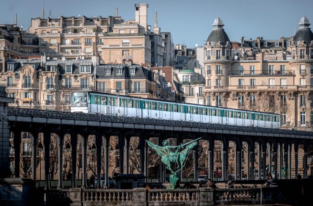 Paris on a budget transportation